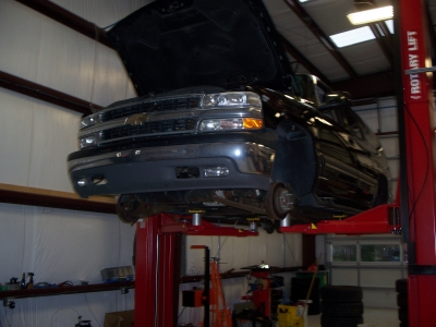 Currituck car auto truck SUV repair service oil change inspection Maintenance brakes muffler Computerized Alignment diagnostics check engine light shocks ac freon air conditioning cooling fuel injection timing belt battery